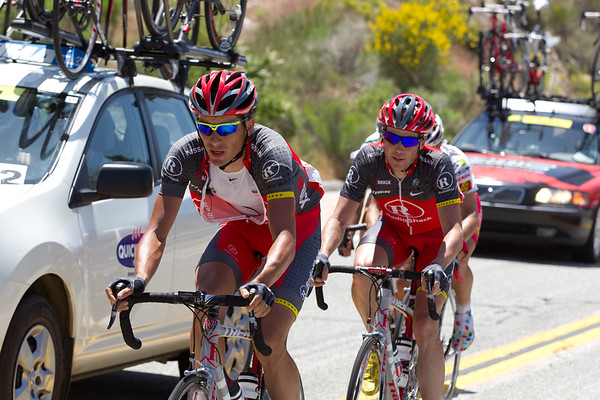 """Horner was also delayed, Muravyev paces him back to the """"peloton""""..."""