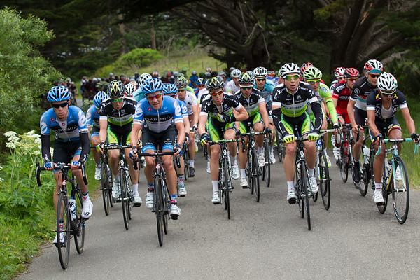 Pulled back to under 4 minutes at the base of the climb, the pacemaking duties shift to other teams...
