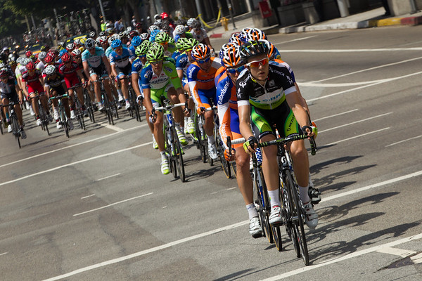 Orica Green Edge have moved to the front, along with Liquigas; the sprinters teams are looking to pull the break back.