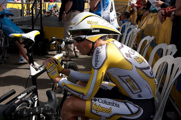 Michael Barry of Team Columbia Highroad waits for his turn to start the TT.
