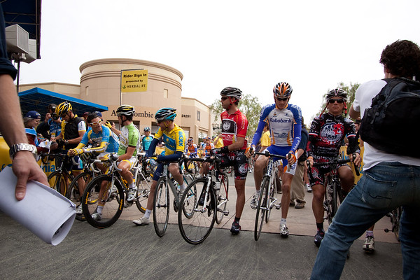 The lineup at the start, Lance, George, Cav, Levi, Mancebo, Gesink and Tyler Hamilton