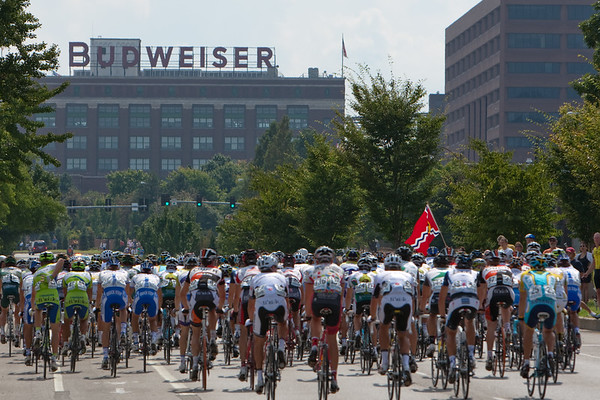 On the first lap, the peloton seemed more interested in a local beverage than getting on with racing...