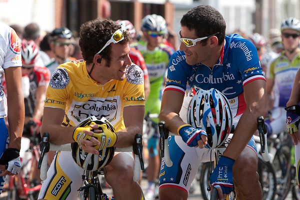 Cavendish and Hincapie share a laugh at the start line for stage 2.