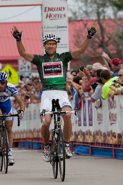 It suited Hushovd well, as he easily took the stage over Haedo and Cataldo.