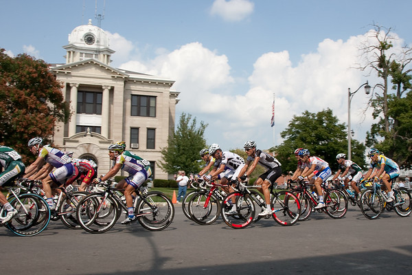 The route took the riders through several picturesque town squares.