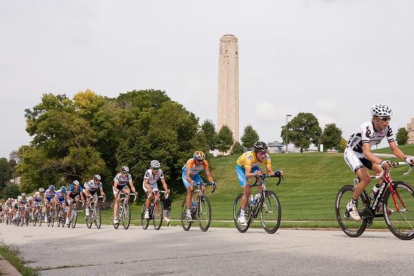 The peloton heads up the second climb of the circuit... Dave Zebreski focused on staying in yellow.