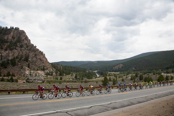 The peloton is now in full flight on this last bit of fairly flat road before the climb of Independence Pass begins.