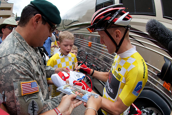 Levi signs a jersey for MSG Garza - and thanked him for his service. The team also gave him a team only tee shirt. Class!