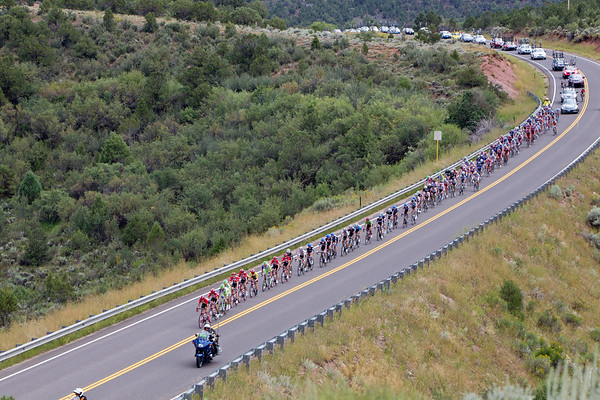 RadioShack took control on the front to reel back in the break. Liquigas sent a few riders up to help...
