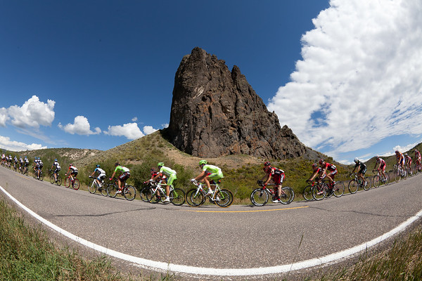 ..with the peloton hot on their heels.
