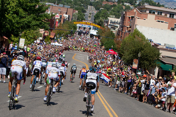 As they pass through Golden for the last time, the huge crowds give the riders quite the welcome!