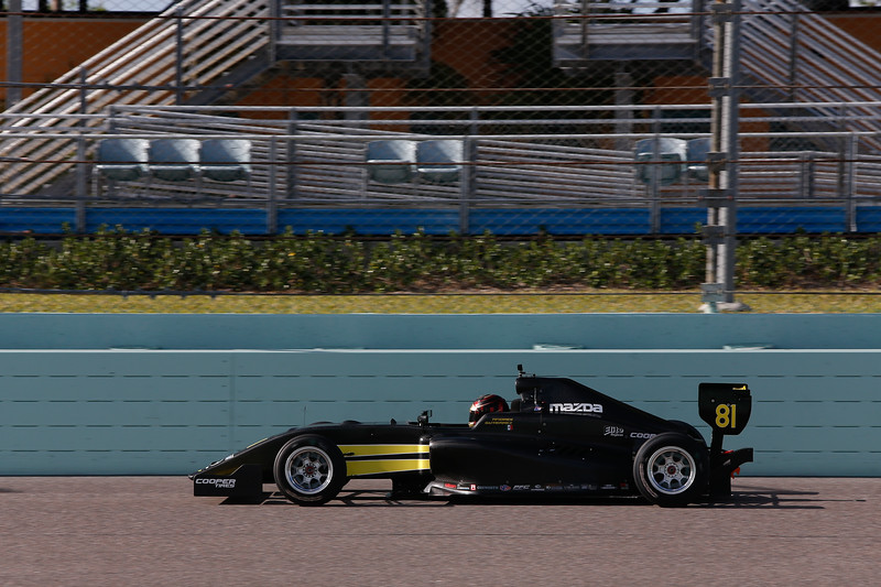 Gutiérrez corre el auto No. 81 de Team Pelfrey (FOTO: Joe Skibinski/IMS Photo/Road to Indy)