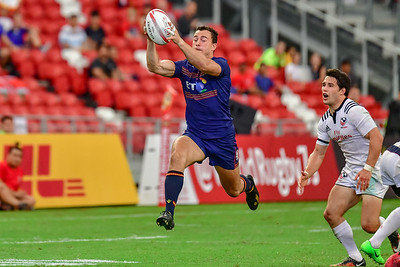 Jamie Farndale catches a pass before racing away to score against USA