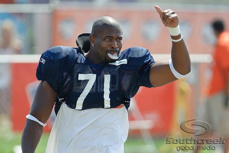 5 August 2010:  Chicago Bears defensive lineman Israel Idonije (71) acknowledge the fans on his way to the field for the training camp practice at Olivet Nazarene University in Bourbonnais, IL.<br /> Mandatory Credit - John Rowland / Southcreek Global