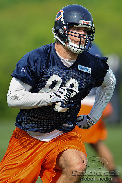 21 May 2010:  Tight end Greg Olsen (82) runs a pass route during the Chicago Bears minicamp practice at Halas Hall in Lake Forest, Illinois.<br /> Mandatory Credit - John Rowland / Southcreek Global