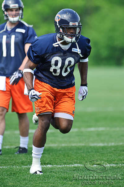 21 May 2010:  Wide receiver Earl Bennett (80) runs a route during the Chicago Bears minicamp practice at Halas Hall in Lake Forest, Illinois.<br /> Mandatory Credit - John Rowland / Southcreek Global