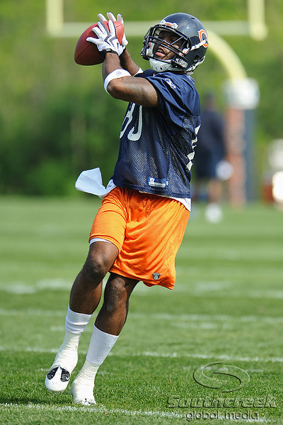 21 May 2010:  Wide receiver Earl Bennett (80) brings in a pass during the Chicago Bears minicamp practice at Halas Hall in Lake Forest, Illinois.<br /> Mandatory Credit - John Rowland / Southcreek Global