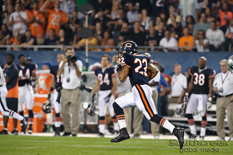 Chicago Bears running back Matt Forte (22) breaks into the open for a 89 yard touchdown run during 1st quarter of the preseason game between the Chicago Bears and the Oakland Raiders at Soldier Field in Chicago, IL. The Raiders defeated the Bears 32-17. <br /> Mandatory Credit: John Rowland / Southcreek Global