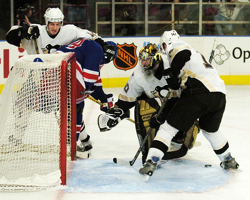 NEW YORK, MAR 7, 2004 - NY Rangers host the Pittsburgh Penguins at The Garden. Penguins triumph 7-4.