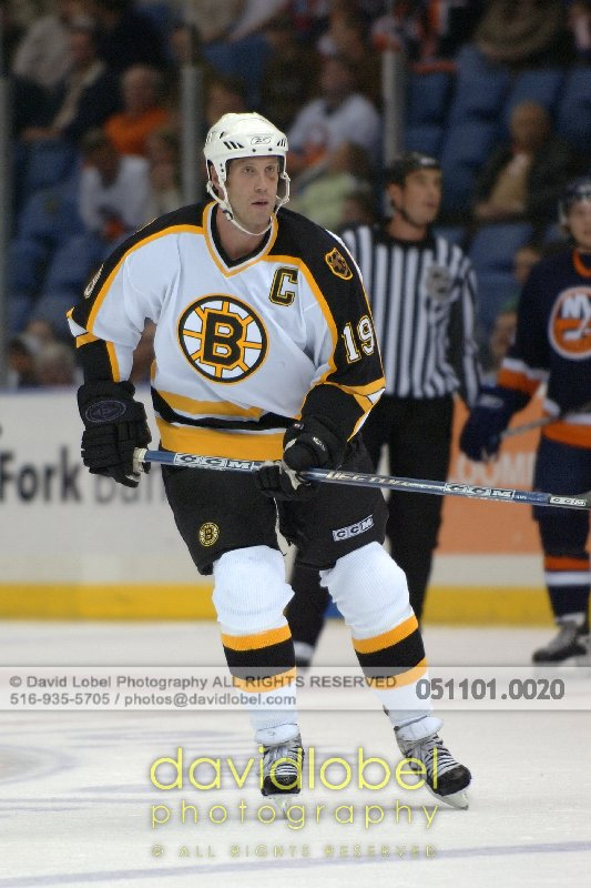 UNIONDALE, NY - November 1, 2005: Boston Bruin's Joe Thornton.