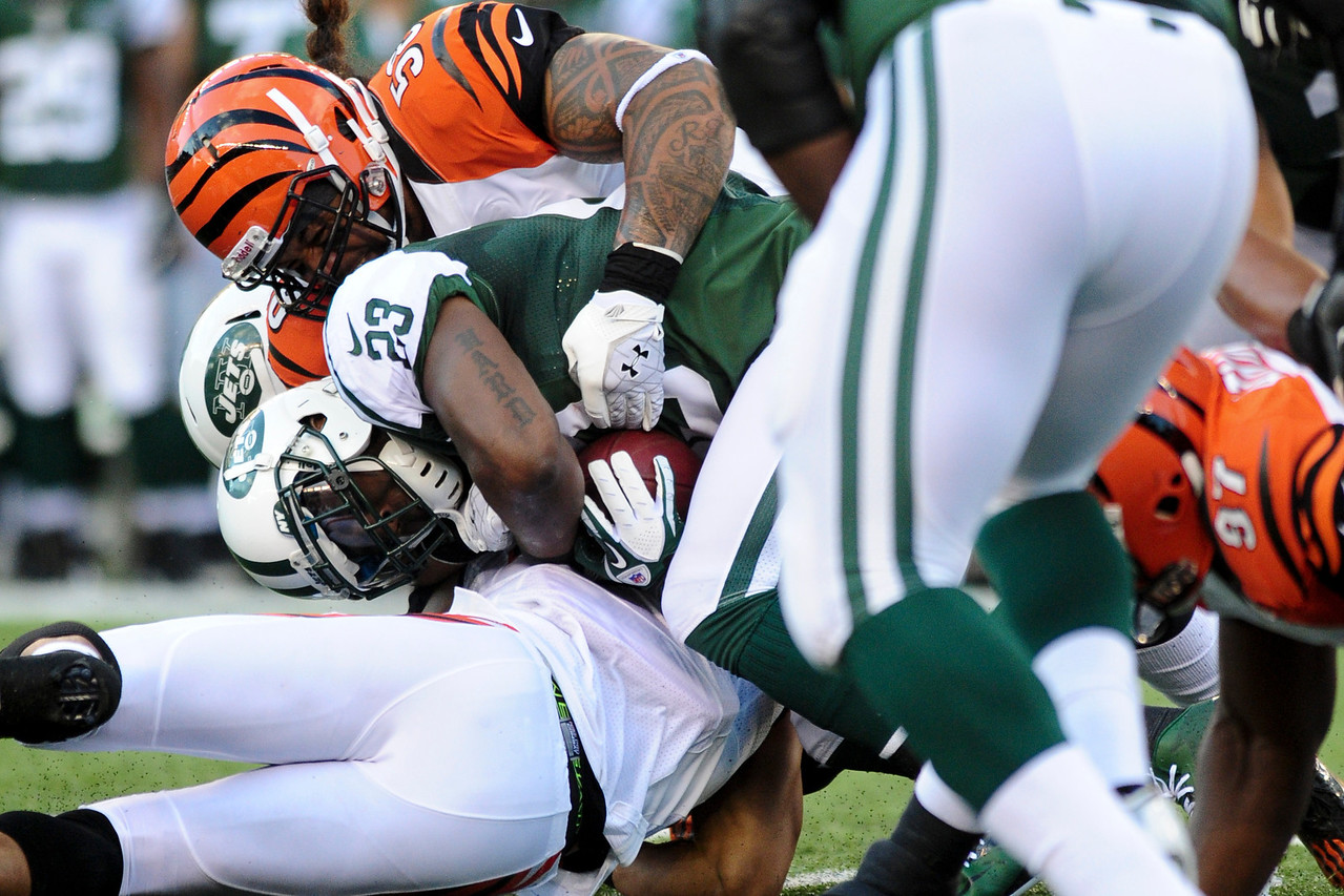 . The Cincinnati Bengals lead the New York jets 10 to 3 in the first half at Paul Brown Stadium in Cincinnati, Ohio.