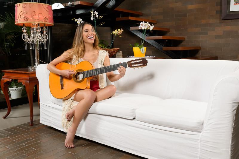 La talentosa cantante nacional Debi Nova posa para Revista HOLA Costa Rica para la edición de Junio 2015. Todos los Derechos Reservados 2015 Photography By Mauricio A. Ureña | Revista HOLA Costa Rica
