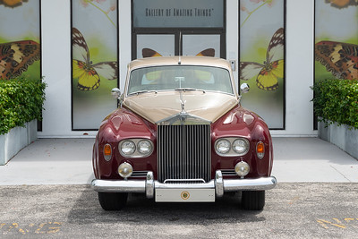 1964 Rolls Royce Silver Cloud III Classic Car, two-color gray and burgundy exterior