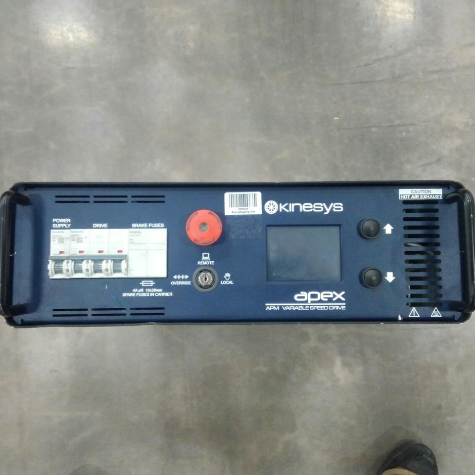 Kinesys Apex Drive 208V w/ blue Ceeform connectors