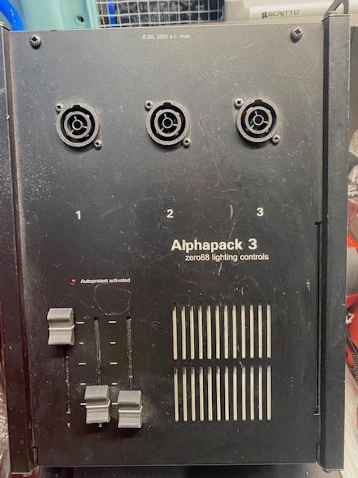 Zero 88 Alphapack 3 Dimmer 3 x 6.3A