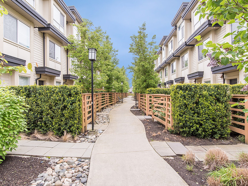 39-19477 72A Ave for MLS