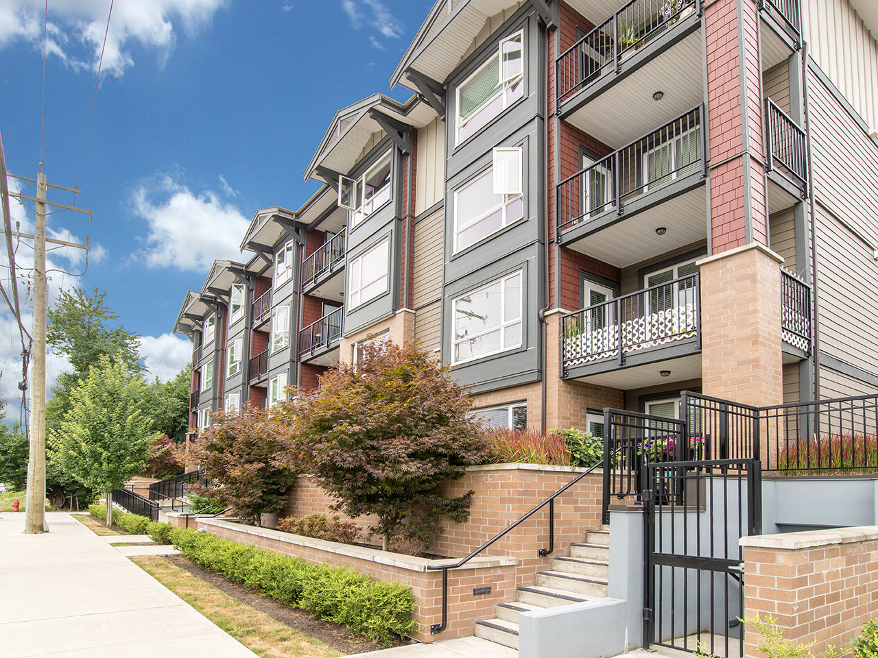 202-2351 Kelly Ave for MLS
