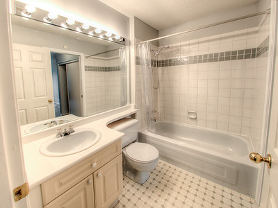 13713 72A Ave-30 MLS