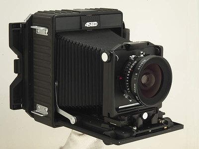 Beautiful Camera. The HD is similar to the FA, except it has a fixed back. It has a rubberized exterior which is very nice, I like it better than the FA.