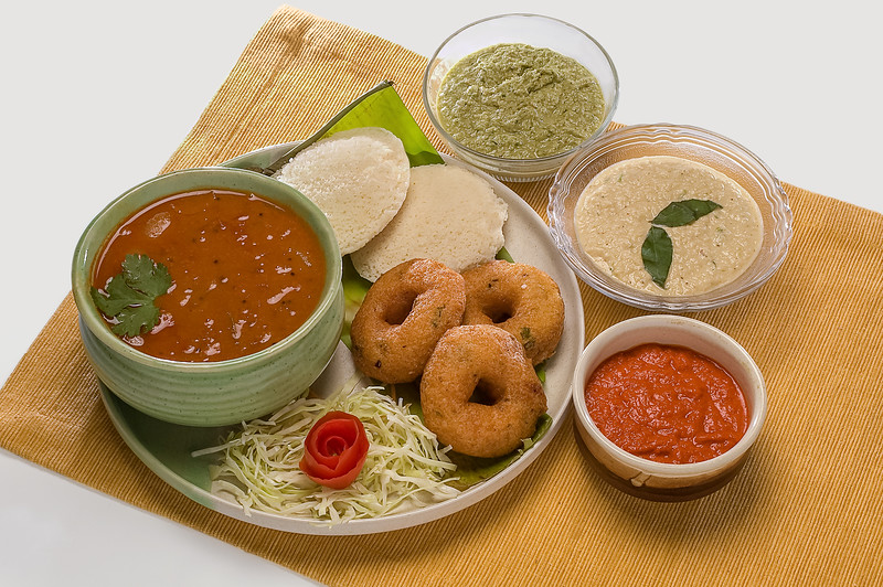 South-Indian-Idli-Meduwada-Sambhar-Chatni-17