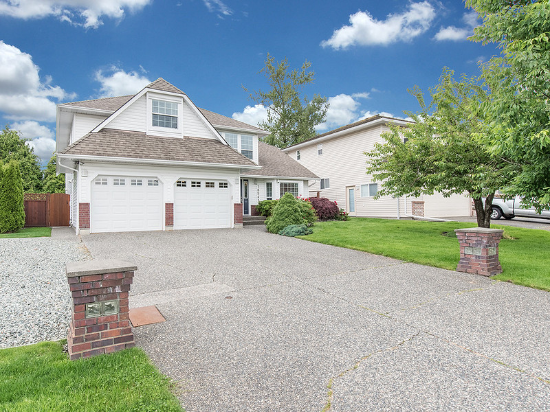 18541 62 Ave for MLS