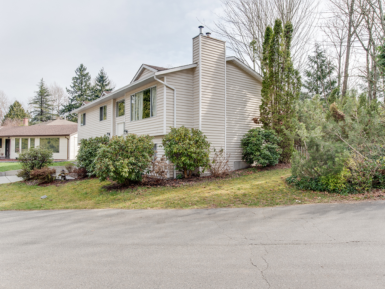 9030 James Place for MLS