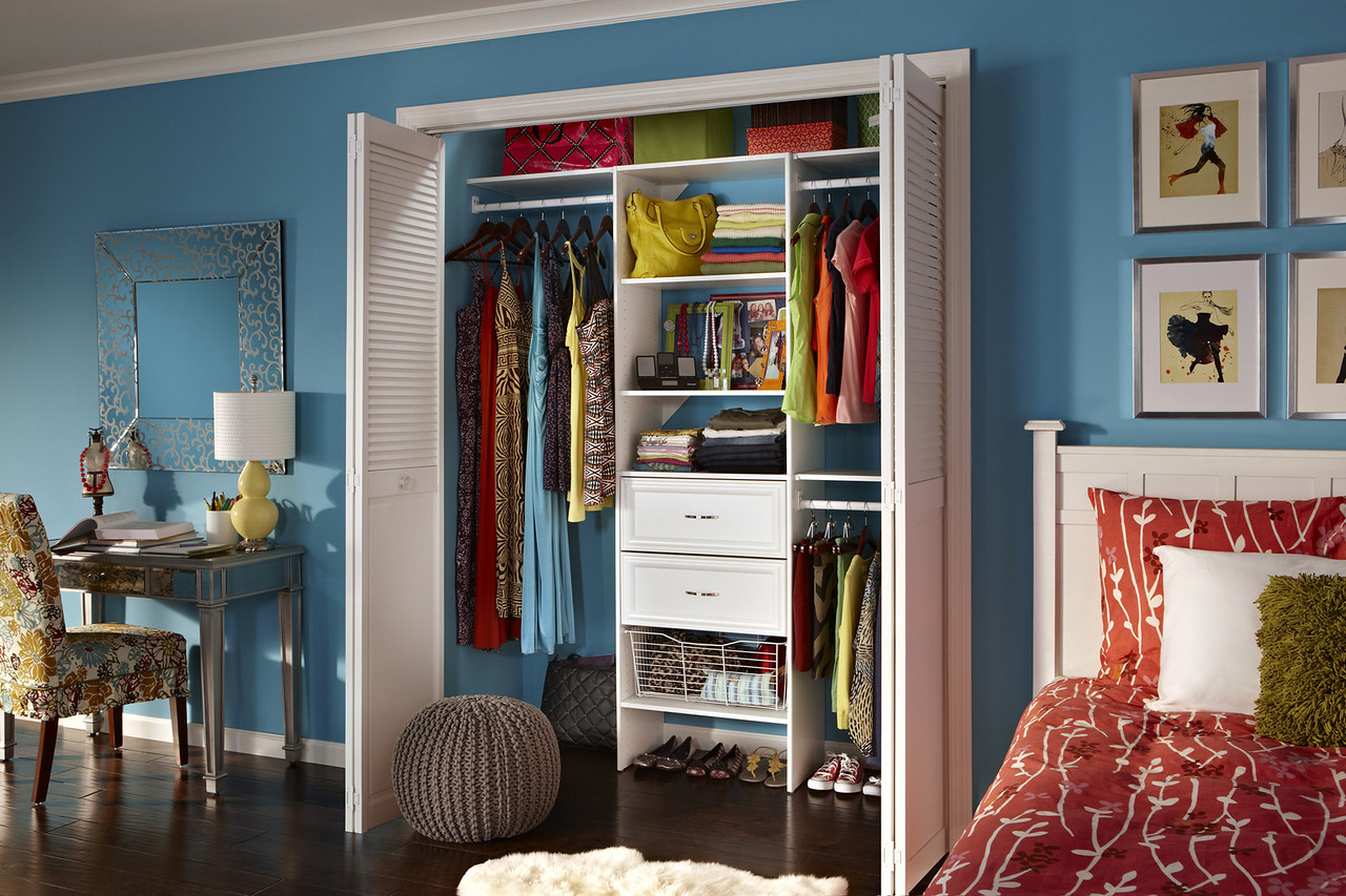 Teen's reach-in closet using ClosetMaid Selectives in White
