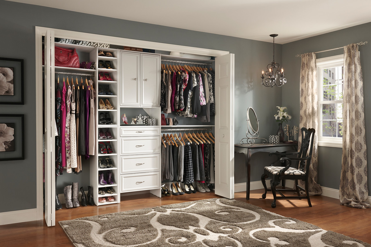 Reach-in closet using ClosetMaid Selectives in White
