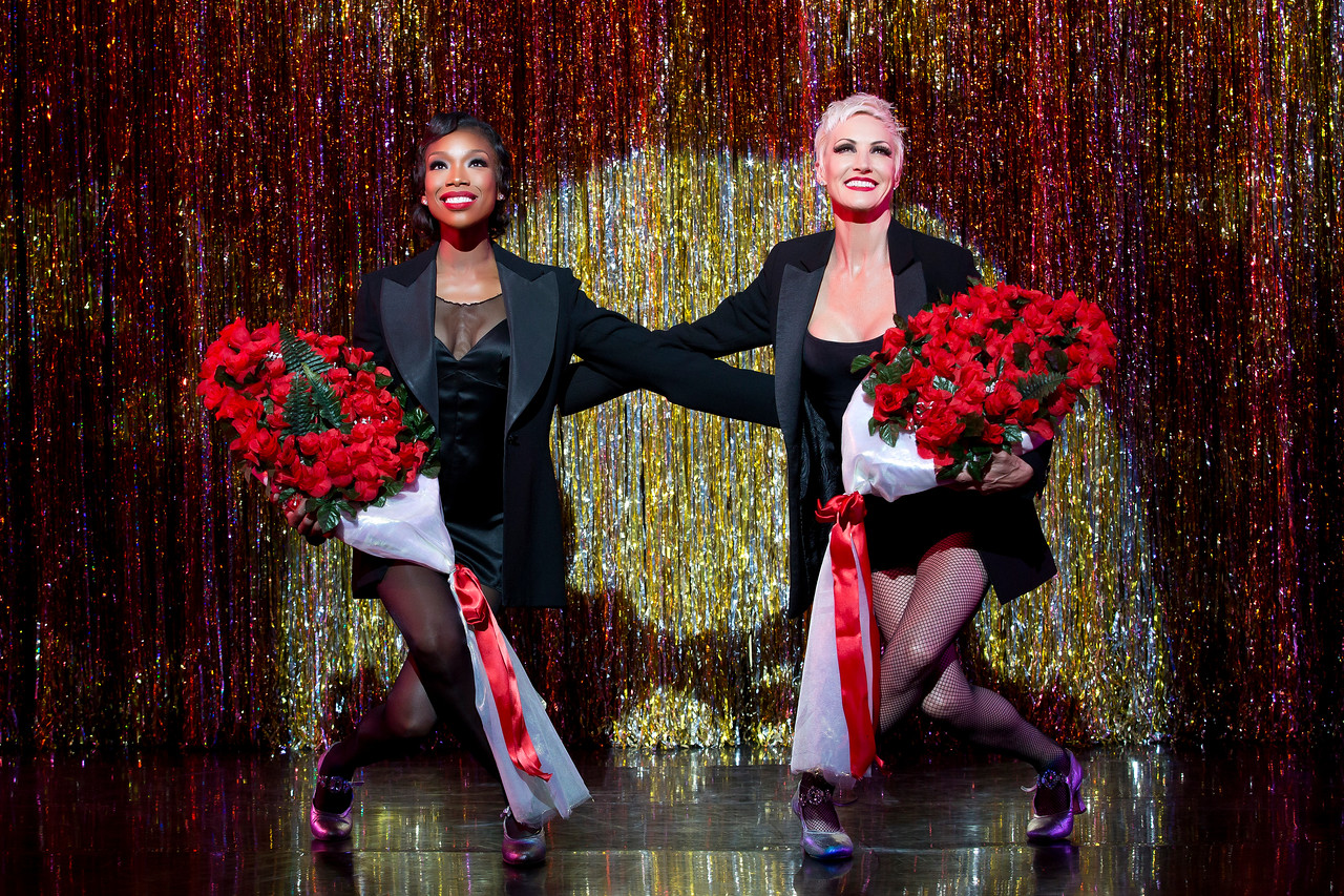 "Brandy Norwood and Amra-Faye Wright in ""Chicago"" / Broadway 2016"