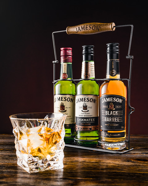 Botellas de Whiskey Jameson