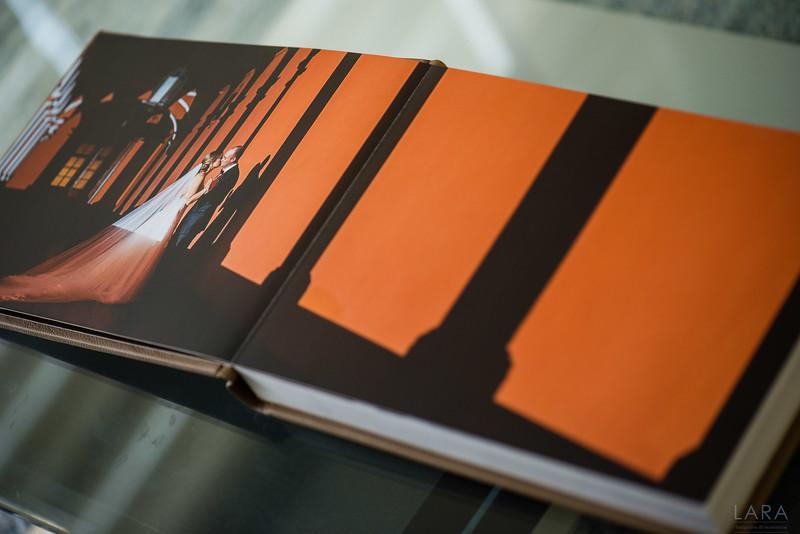 Storybook TREINTAS tamaño 30cm x 20cm con 30 paginas color Beige PAGINAS IMPRESAS EN MATERIAL MATE