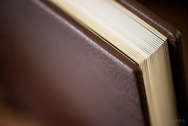 Storybook CUARENTAS tamaño 35cm x 25cm con 40 paginas color Chocolate