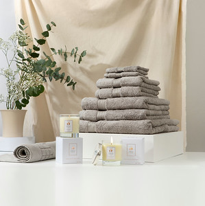 Towel Stack & Bath Mat Silver s