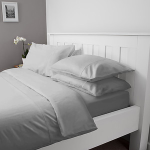 Hampton & Astley Silver Bedding Lifestyle 02 1024