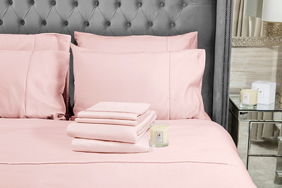 Pink Bedding stack 1 Candle