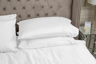 White Bedding Lifestyle 03