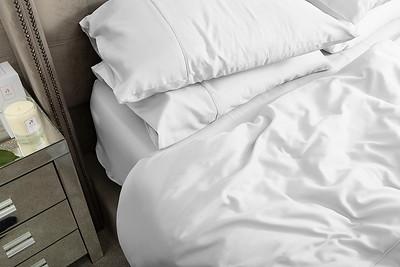 White Bedding Lifestyle 06