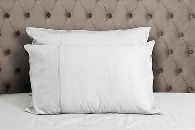 White Bedding Lifestyle 04