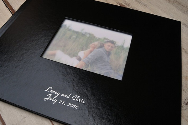 <b>Window Cover</b>Your image will be displayed on the cover of your Hard Cover Press Book.   Four options are available for windowed covers – black Eurohyde, brown Eurohyde, blue Art Cloth and black Art Cloth.