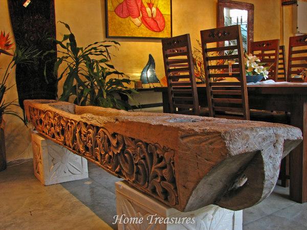 Perahu with sandstone pedestal
